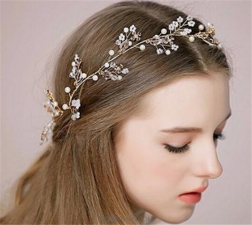 麻城新娘化妆造型:2017流行最美新娘发型,你喜欢哪款?图片