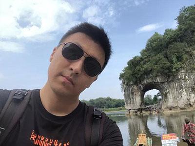 【自贡同城交友男嘉宾推荐】身高182cm的帅气男士壮壮的:口红色号也略懂