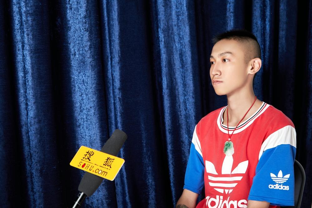 初级纹身师徐宇新——乐成的法门便是每天都比他人多高兴一点